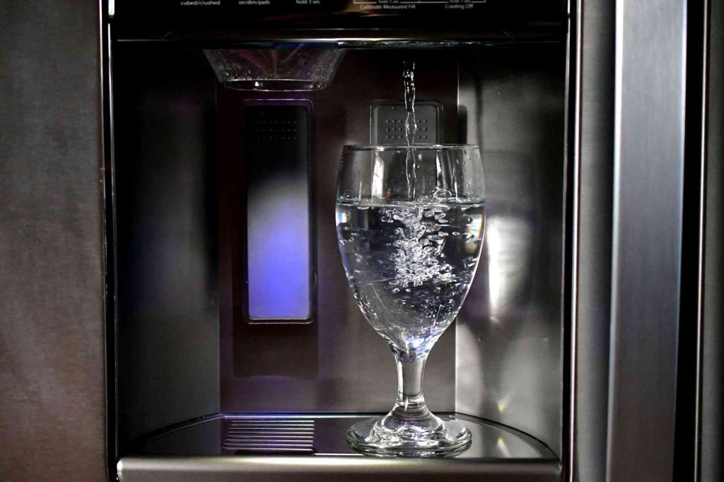 Best Refrigerator Water Filters In 2020 (Review & Buying Guide)