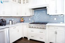 Everything That You Need To Know About Glass Backsplash For Your Kitchen